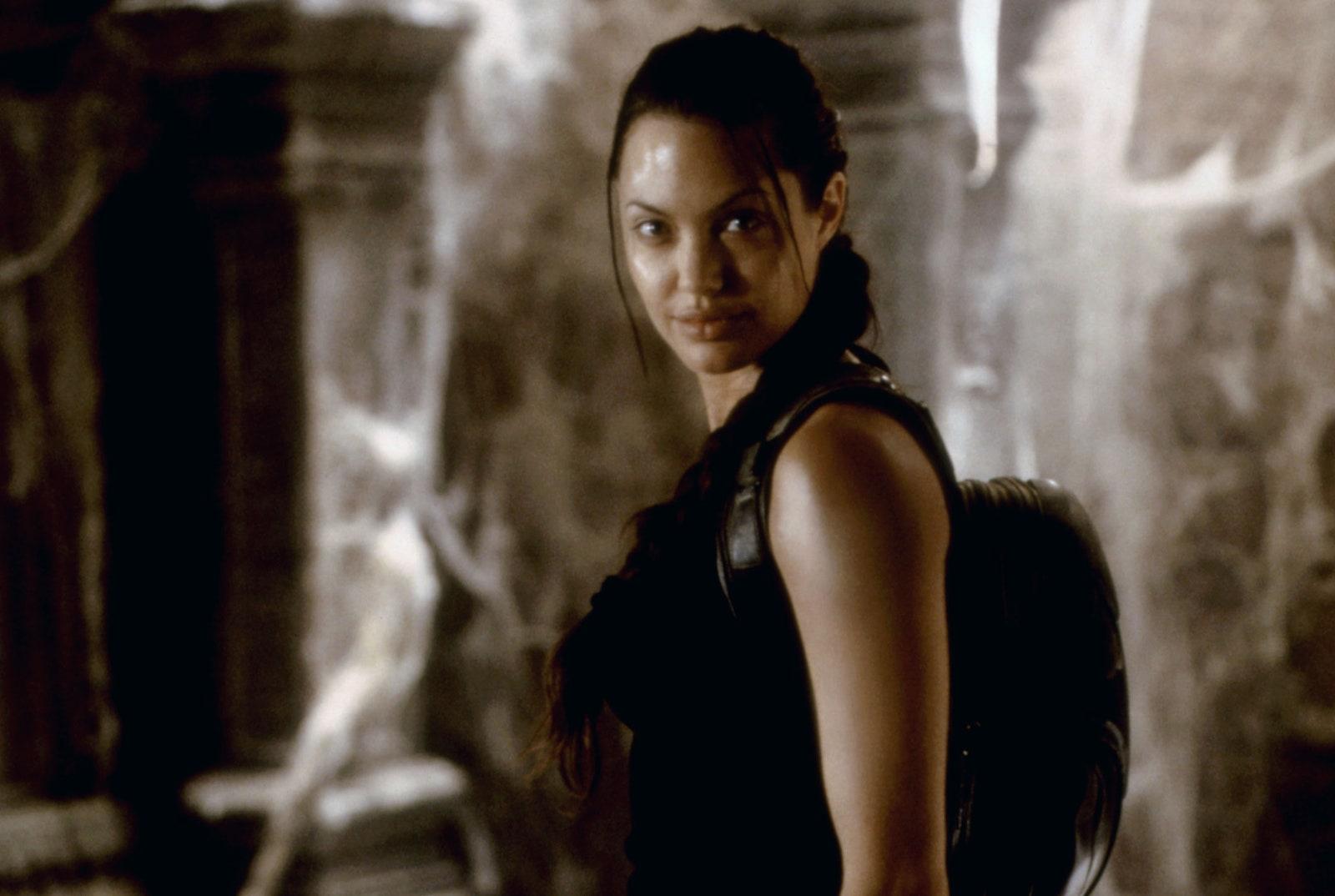 รีวิวเรื่อง Lara Croft: Tomb Raider (2001)
